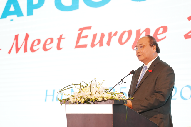 Prime Minister Nguyen Xuan Phuc spoke at the event, praising the connection between European business and Vietnam and stressing the importance of Vietnam-Europe relations