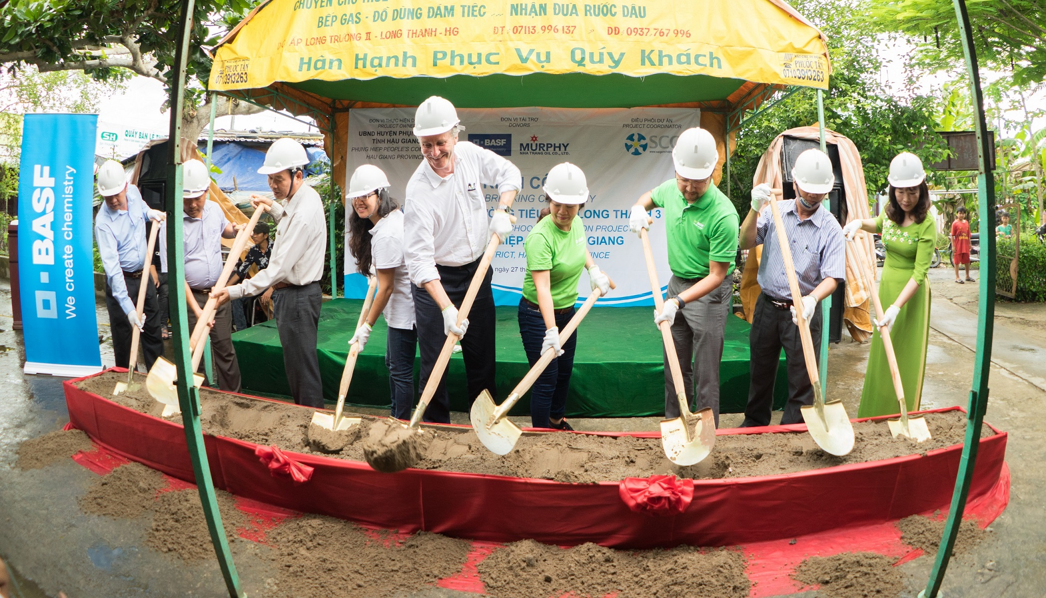 BASF helps improve learning environment for needy schools in Hậu